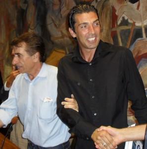 Carrarese, gli auguri di Gigi Buffon al nuovo corso